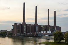 Volkswagen fabrik i Wolfsburg, Tyskland Royaltyfria Bilder