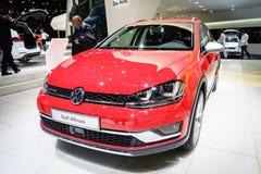 Volkswagen Golf Alltrack, motorisk show Geneve 2015 Royaltyfria Bilder