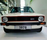 Volkswagen Golf Mk1 GTI på det Volkswagen museet Royaltyfri Bild