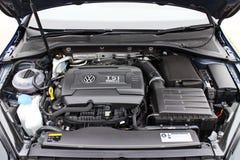 Volkswagen Golf R Enegine 2014 Fotografering för Bildbyråer