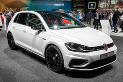 Volkswagen Golf R performance car