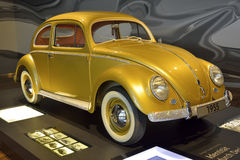 Volkswagen Kafer bil från 1955 Arkivbild