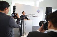 Volkswagen Kuantan, lançamento 2012 da sala de exposições de Malaysia Foto de Stock Royalty Free