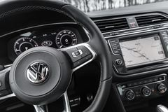 Volkswagen, Lenkrad mit Firmenzeichen Stockbild