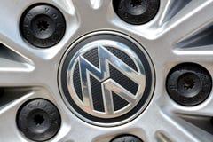 Volkswagen-Logo auf Rad stockfotografie