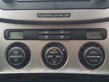 Volkswagen Passat radio Arkivbilder