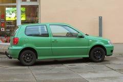 Volkswagen Polo verde chiaro Fotografia Stock