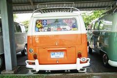 Volkswagen retro tappningbil/splittringbuss Fotografering för Bildbyråer