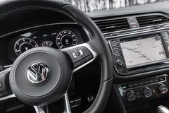 Volkswagen, stuurwiel met logotype Stock Afbeelding