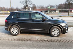 Volkswagen Tiguan, 4x4 ρ-γραμμή, πλάγια όψη Στοκ Εικόνες
