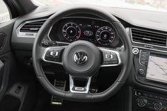 Volkswagen Tiguan, interno della linea r 4x4 Fotografia Stock