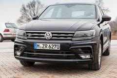 Volkswagen Tiguan, 4x4 R-linha 2017 Foto de Stock