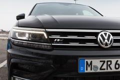 Volkswagen Tiguan, 4x4 R-linha, close-up Imagens de Stock Royalty Free