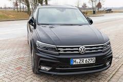 Volkswagen Tiguan, 4x4 R-línea 2017 Imágenes de archivo libres de regalías