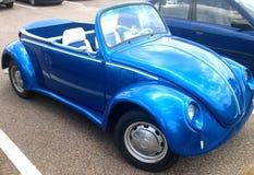 Volkswagen toppen utskjutande cabriolet Arkivbild