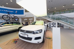 Volkswagen Touareg in office Stock Photos
