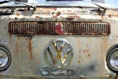 Volkswagen viejo van grill con la muestra imagen de archivo libre de regalías