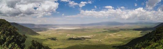 Voll- Ansicht des Ngorongoro-Kraters Lizenzfreie Stockbilder
