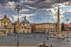 Voll- Ansicht Paizza Del Popolo vor dem Regen stockfotografie