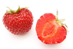 Voll und geschnittene rote reife Erdbeere Lizenzfreies Stockbild