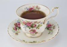 Volle antike Teetasse und Untertasse mit Rosafarbener und Golddekorations-ISO Lizenzfreie Stockfotos