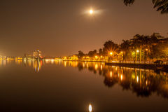 Volle maan bij het Westenmeer Stock Fotografie