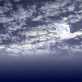 Volle maan op de nacht bewolkte hemel Stock Afbeelding