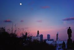 Volle maan op de Winteravond over VDNKh in Moskou Stock Afbeeldingen