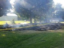 Volledig gebrand huis Stock Foto