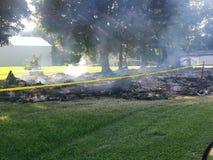 Volledig gebrand huis Stock Fotografie