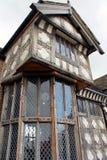 Volledig hersteld Tudor Manor-huis Royalty-vrije Stock Foto