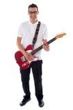 Volledig schot van een jonge mens met gitaar Stock Foto's