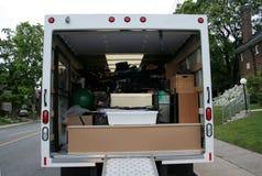 Volledige Bewegende Vrachtwagen Stock Afbeeldingen