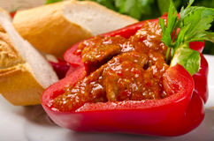 Volledige paprika (met vlees) Stock Fotografie