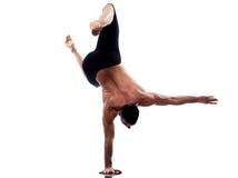 In voller Länge gymnastisches akrobatisches des Mannyoga Handstand Stockfoto