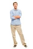 In voller Länge vom attraktiven jungen Mann in weißem BAC der Freizeitbekleidung Lizenzfreies Stockbild