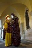 Volles dekoratives Karnevalskostüm in Venedig. Lizenzfreies Stockbild
