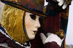 Volles dekoratives Kostüm im Venedig-Karneval Stockfotos