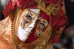 Volles dekoratives Kostüm im Venedig-Karneval Stockbild