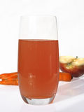 Volles Glas Saft Stockfotos