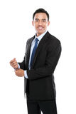 Volles Körperporträt des glücklichen lächelnden jungen Geschäftsmannes Stockbilder