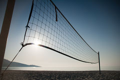 Volleyball de plage - grand-angulaire Images libres de droits