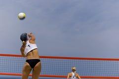 Volleyball im Strand Stockfotografie