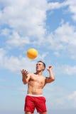 Volleyball op het strand Royalty-vrije Stock Afbeeldingen