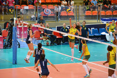Volleyball WGP : Brazil VS USA. Fighting Time at Volleyball world grand prix 2014, PRELIMINARY ROUND Pools Composition - POOL A-I (August 1-24, 2014 Stock Photo