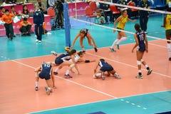 Volleyball WGP: Brazilië VERSUS de V.S. Stock Foto