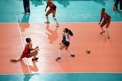 Volleyball WGP: Dominicaan VERSUS Thailand Stock Fotografie