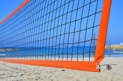 Volleyballnetz auf einem Strand Stockbild