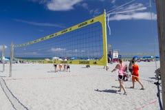 Volleyballnetz am Kakao-Strand Stockbild