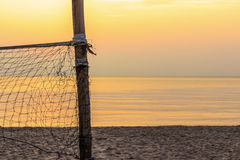 Volleyballnetz und -strand Stockbilder